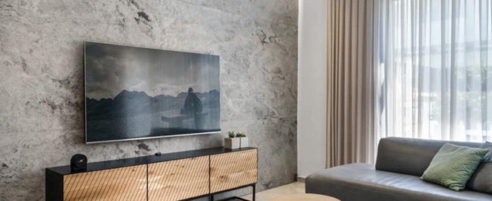 קיר טלויזיה מאבן גמישה